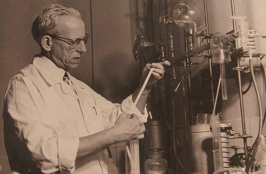 Отто Вихтерле - винахідник контактних лінз